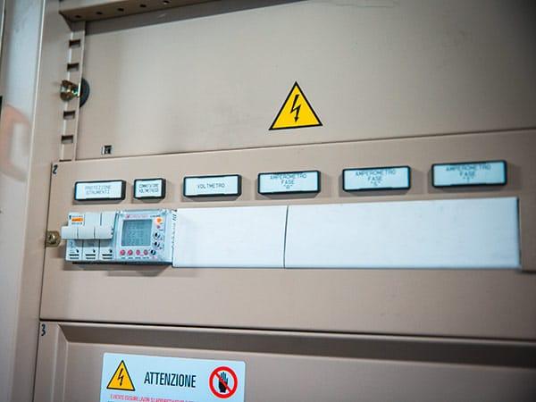 Cablaggio-di-armadi-elettrici-industriali-ferrara